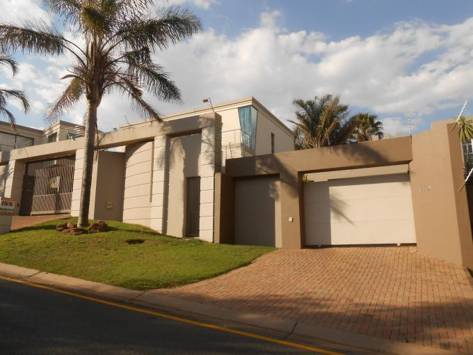 Standard Bank EasySell 2 Bedroom Apartment For Sale in Constantia Kloof - MR118863