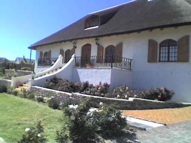 3 Bedroom House for Sale For Sale in Barrydale - Home Sell - MR118878