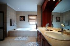 Main Bathroom - 21 square meters of property in The Wilds Estate