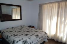 Bed Room 1 - 14 square meters of property in Vredelust