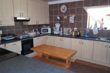 Kitchen - 16 square meters of property in Vredelust