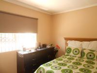 Bed Room 2 - 13 square meters of property in Bosmont