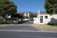 3 Bedroom 1 Bathroom in Kenilworth - CPT