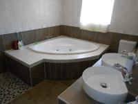 Main Bathroom - 9 square meters of property in Elarduspark