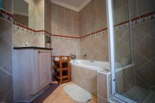 Bathroom 2 - 6 square meters of property in Boardwalk Manor Estate