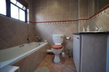 Main Bathroom - 6 square meters of property in Boardwalk Manor Estate
