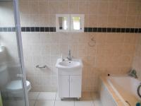 Main Bathroom - 6 square meters of property in Margate