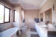Main Bathroom - 15 square meters of property in Woodhill Golf Estate