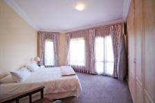 Bed Room 1 - 24 square meters of property in Woodhill Golf Estate