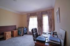 Bed Room 2 - 23 square meters of property in Woodhill Golf Estate