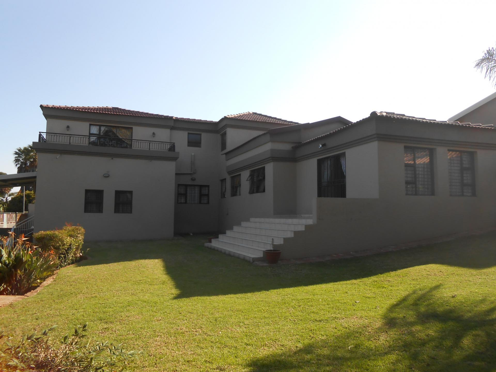 Front View of property in Northcliff