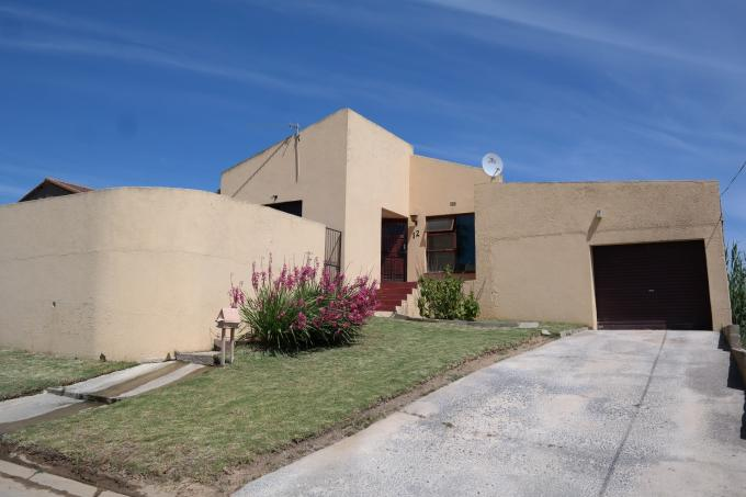 2 Bedroom House for Sale For Sale in Malmesbury - Private Sale - MR119112