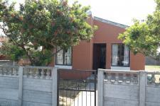 2 Bedroom 1 Bathroom in Macassar