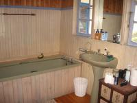 Main Bathroom of property in Brenton-on-Sea