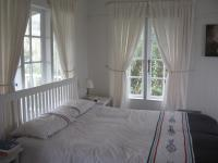 Main Bedroom of property in Brenton-on-Sea
