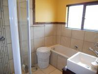 Bathroom 1 - 6 square meters of property in Pennington