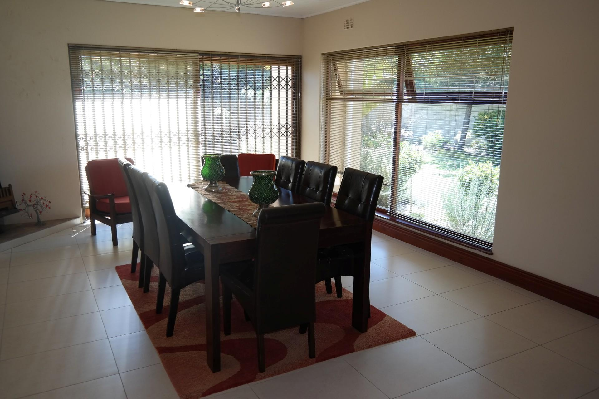 Dining Room - 32 square meters of property in Panorama