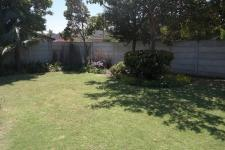 Garden of property in Panorama