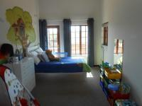 Bed Room 1 - 20 square meters of property in Highveld