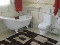 Main Bathroom - 21 square meters of property in Vereeniging