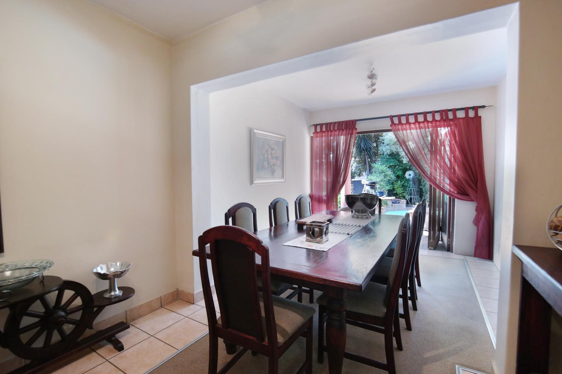 Dining Room - 22 square meters of property in Silver Lakes Golf Estate