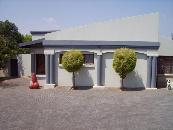 4 Bedroom House For Sale in Middelburg - MP - Private Sale - MR119303