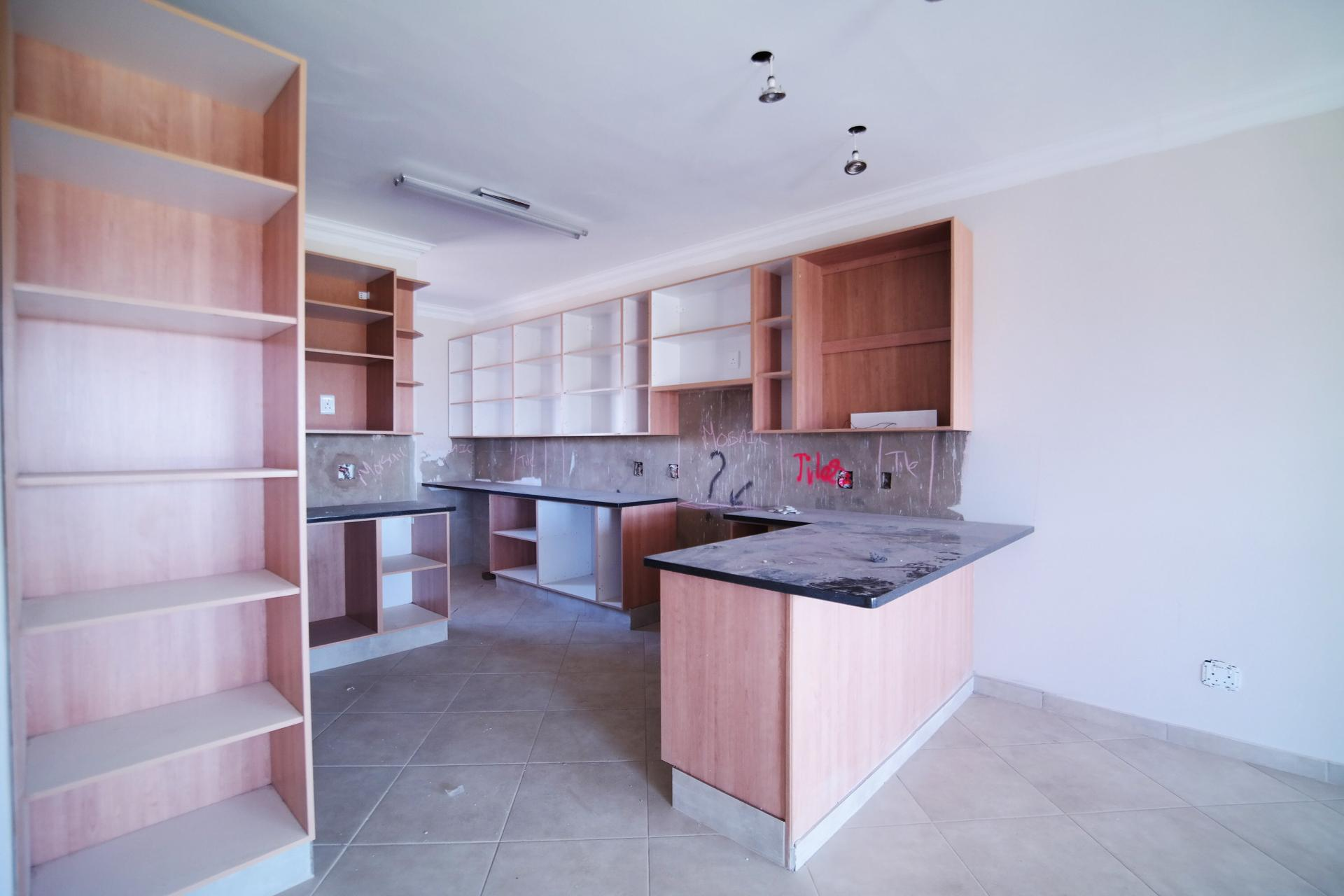 Kitchen - 21 square meters of property in The Meadows Estate