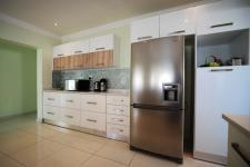 Kitchen - 21 square meters of property in Willow Acres Estate