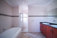 Main Bathroom - 17 square meters of property in Willow Acres Estate