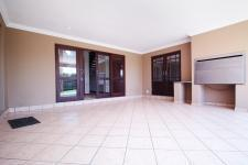 Patio - 79 square meters of property in Willow Acres Estate