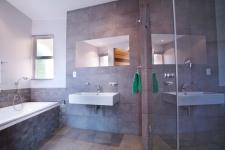 Bathroom 1 - 13 square meters of property in Silverwoods Country Estate