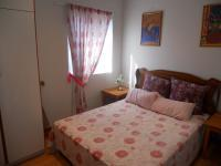 Bed Room 2 - 10 square meters of property in Port Edward