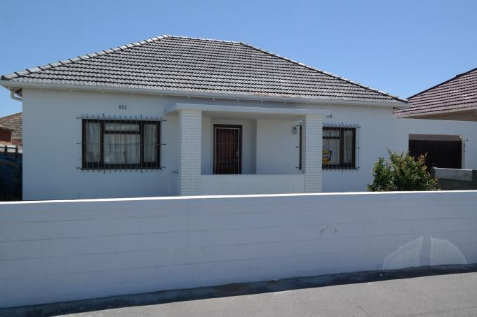3 Bedroom House for Sale For Sale in Parow Central - Home Sell - MR119429