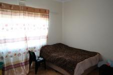 Bed Room 1 - 16 square meters of property in Parow Central