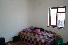 Bed Room 3 - 14 square meters of property in Parow Central