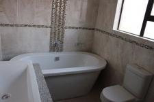 Main Bathroom - 7 square meters of property in Emalahleni (Witbank)