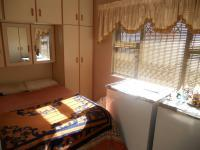 Bed Room 2 - 14 square meters of property in Queensburgh