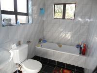 Bathroom 2 - 3 square meters of property in Queensburgh