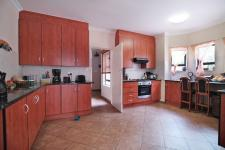 Kitchen - 18 square meters of property in Silver Lakes Golf Estate