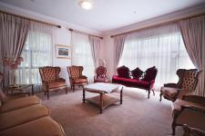 Lounges - 50 square meters of property in Woodhill Golf Estate