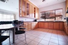 Kitchen - 32 square meters of property in Woodhill Golf Estate