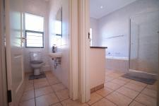 Bathroom 1 - 29 square meters of property in Woodhill Golf Estate