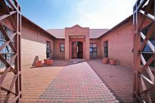 Spaces - 53 square meters of property in Woodhill Golf Estate