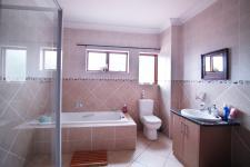 Bathroom 1 - 6 square meters of property in Six Fountains Estate