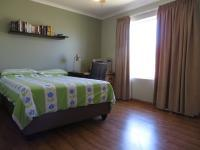Bed Room 2 of property in Summerstrand