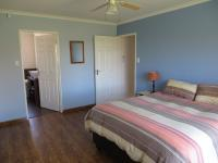 Main Bedroom of property in Summerstrand