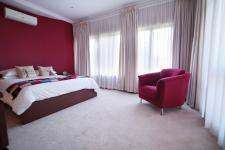 Bed Room 1 - 32 square meters of property in Woodhill Golf Estate