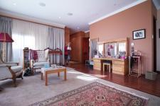 Main Bedroom - 97 square meters of property in Woodhill Golf Estate