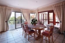 Lounges - 56 square meters of property in Woodhill Golf Estate
