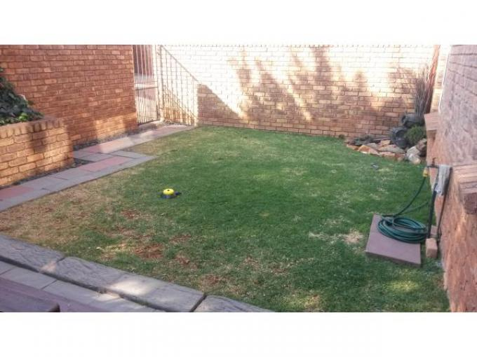 2 Bedroom Sectional Title for Sale For Sale in Kempton Park - Private Sale - MR119660